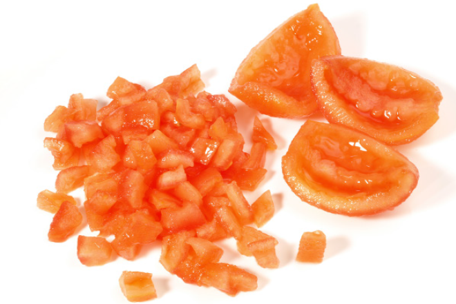 Tomate coupé en cube